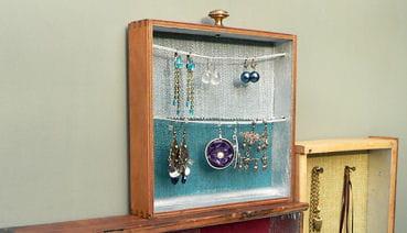 Fabriquez un présentoir à bijoux avec des tiroirs. 1050266-etape-7-fixez-les-fils