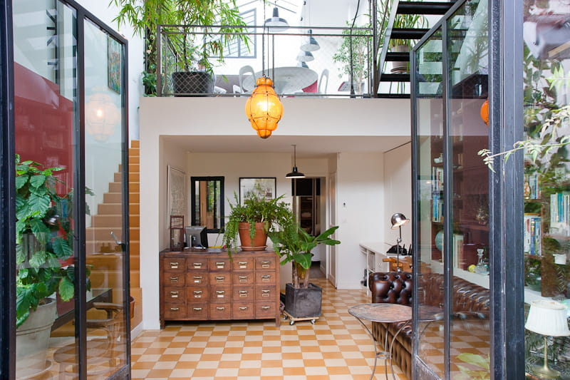 Une maison qui s 39 ouvre enti rement une maison loft qui s for Fenetre qui s ouvre vers l exterieur