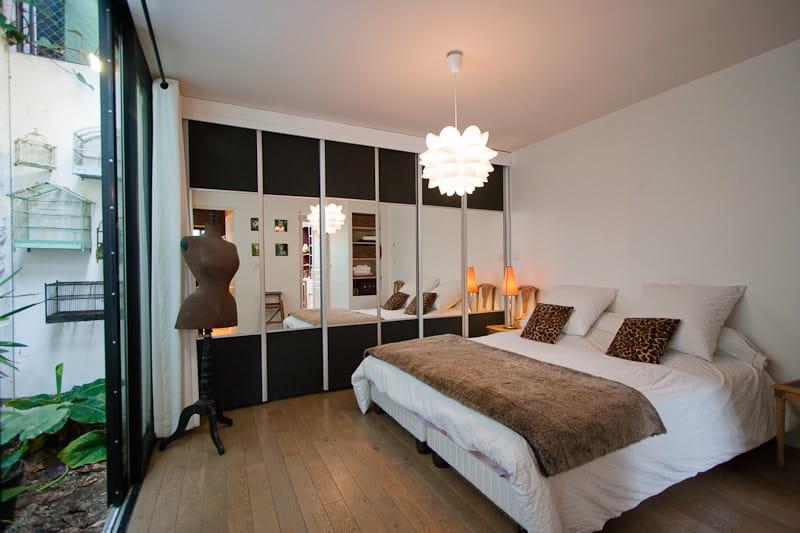 une chambre avec un mini jardin une maison loft qui s