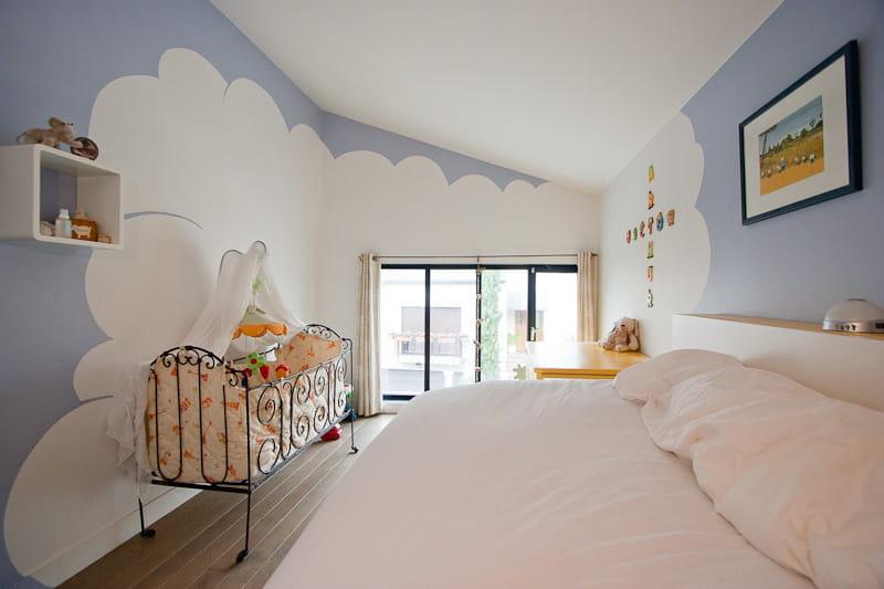 La t te dans les nuages une maison loft qui s 39 ouvre sur for Journal decoration maison