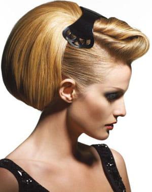attache glamour pour coiffure originale.