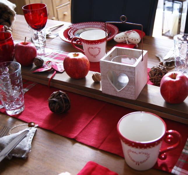 des skis en centre de table trois d cos de table. Black Bedroom Furniture Sets. Home Design Ideas