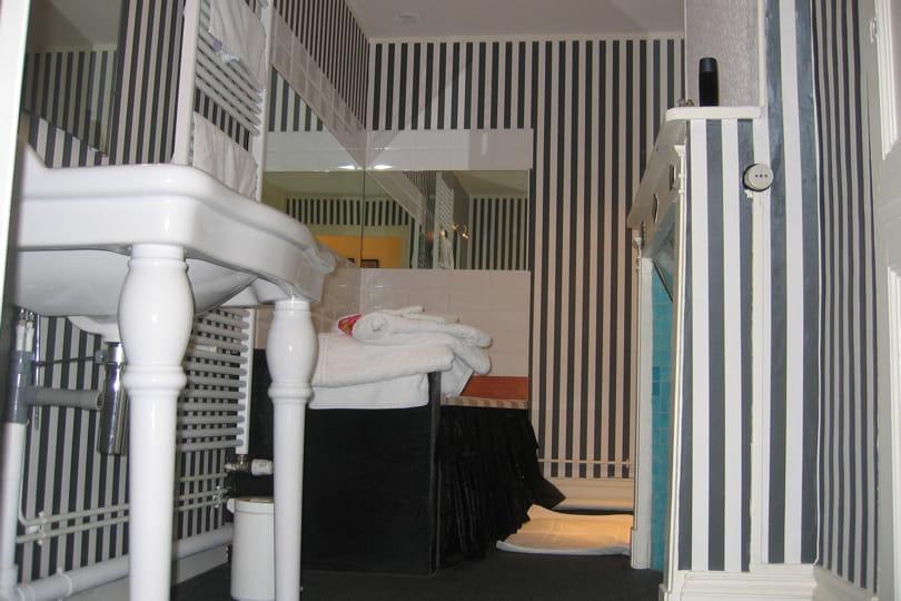 R ponse imm diate en photo forum page 8 - Tapisserie salle de bain ...