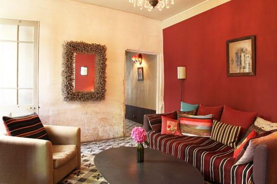 couleur cerise toujours plus d 39 id es pour d corer mon salon journal des femmes. Black Bedroom Furniture Sets. Home Design Ideas