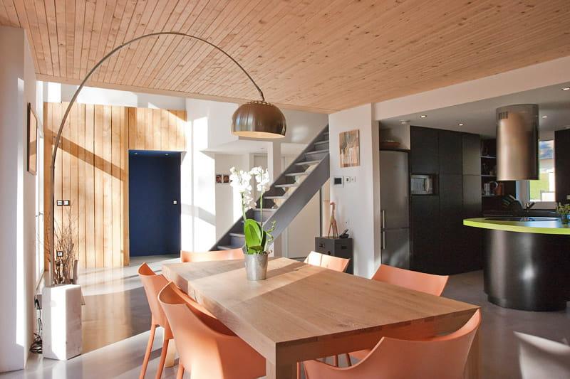 une tr s grande pi ce vivre une maison au rythme de la nature journal des femmes. Black Bedroom Furniture Sets. Home Design Ideas