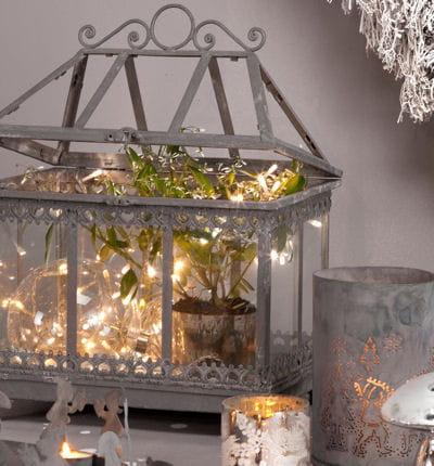 dans un photophore ou un vase guirlandes lumineuses un clairage original journal des femmes. Black Bedroom Furniture Sets. Home Design Ideas