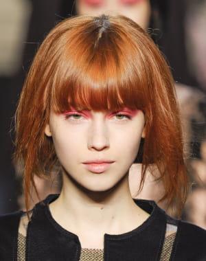 le roux flamboyant les plus belles coiffures de l 39 hiver journal des femmes. Black Bedroom Furniture Sets. Home Design Ideas
