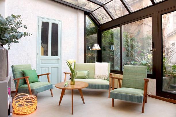 Jardin dhiver : Petite maison à la déco subtile et colorée ...