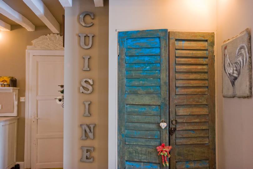 Des portes de placard bleu patin d co bleu il flotte for Portes persiennes pour placard