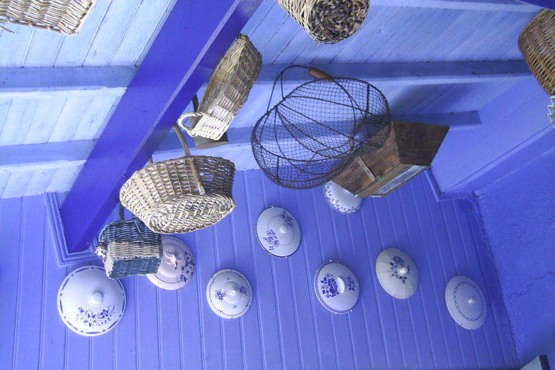 Du bleu du sol au plafond d co bleue il flotte comme for Du sol au plafond