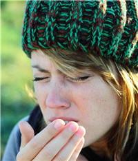 le miel est connu pour atténuer les maux de gorge, notamment s'il est dilué dans