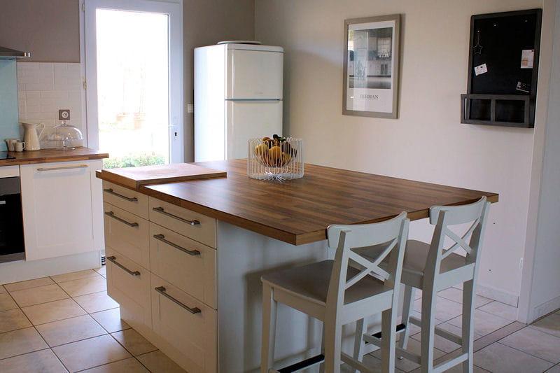 Et lumineuse visitez la maison de claudie journal des - Plan de travail de cuisine ikea ...