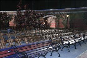 le décor du défilé tommy hilfiger au park avenue armory à new york