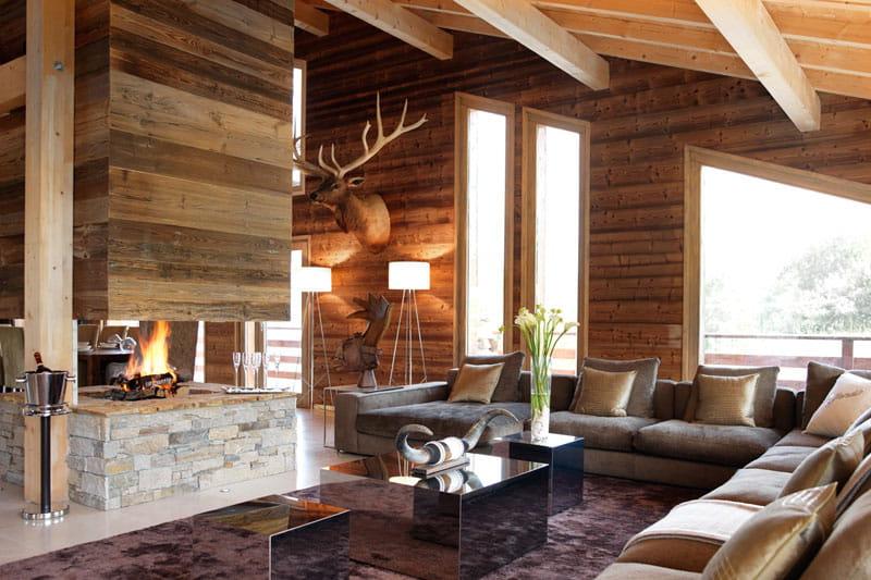 un renne au salon ambiance conviviale au chalet journal des femmes. Black Bedroom Furniture Sets. Home Design Ideas
