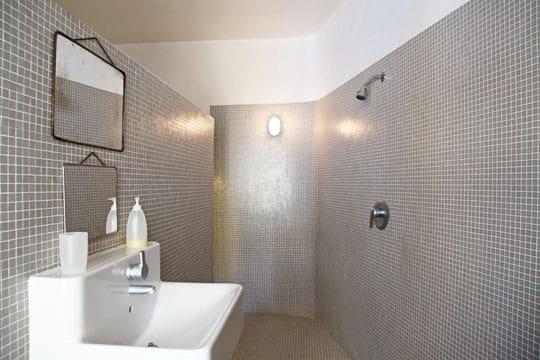 Pose carrelage mural sur platre travaux artisan pau for Enlever calcaire sur carrelage douche
