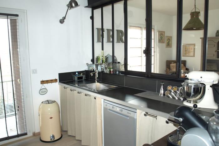 cuisine visitez la maison de sylvie journal des femmes. Black Bedroom Furniture Sets. Home Design Ideas