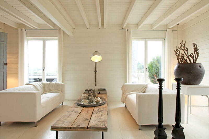 ambiance naturelle sobri t et fantaisie pour une maison r ussie journal des femmes. Black Bedroom Furniture Sets. Home Design Ideas