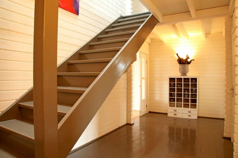 alliage blanc et taupe sobri t et fantaisie pour une maison r ussie journal des femmes. Black Bedroom Furniture Sets. Home Design Ideas