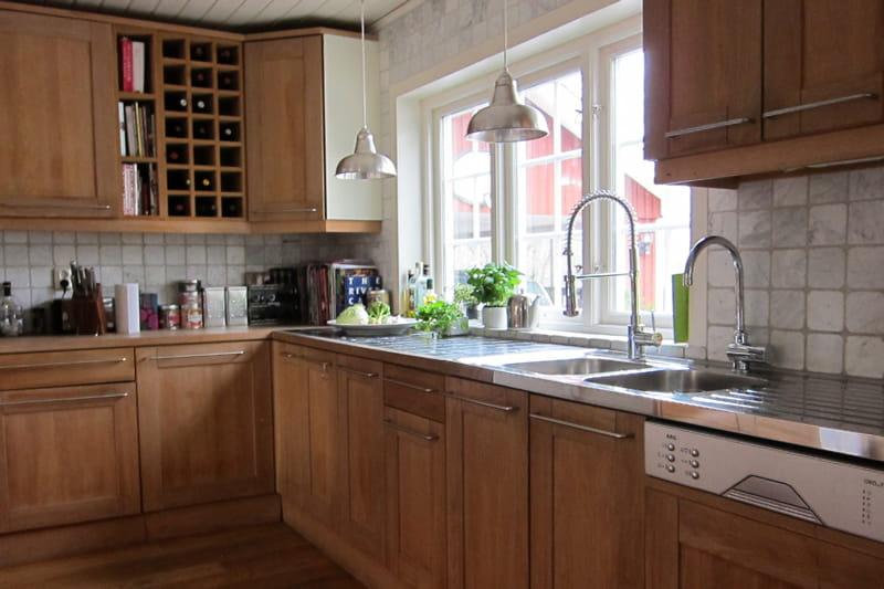 Quip e pour bien cuisiner d co n o folk dans la plus pure tradition su doise journal des femmes - Deco cuisine bois ...