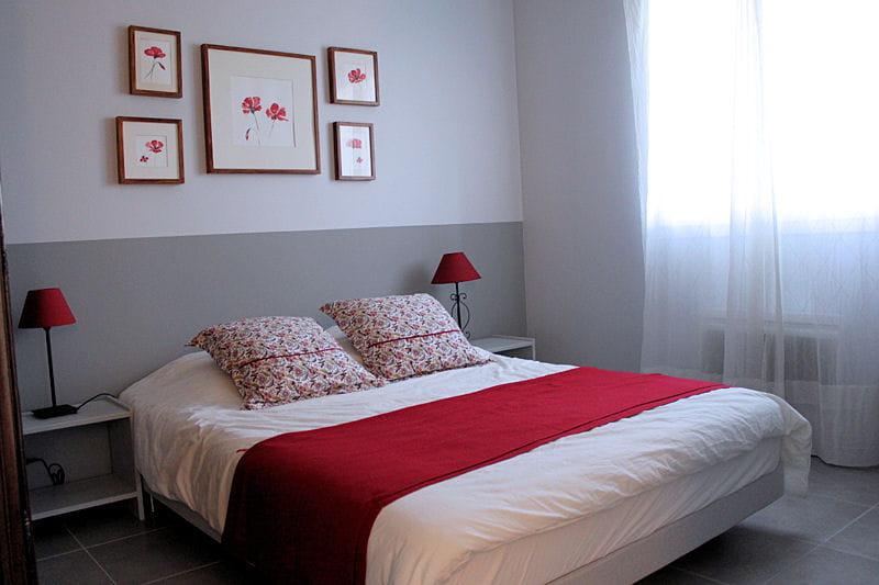 le pic saint loup la chambre rouge. Black Bedroom Furniture Sets. Home Design Ideas