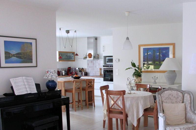 une grande pi ce vivre visitez la maison d 39 isabelle journal des femmes. Black Bedroom Furniture Sets. Home Design Ideas