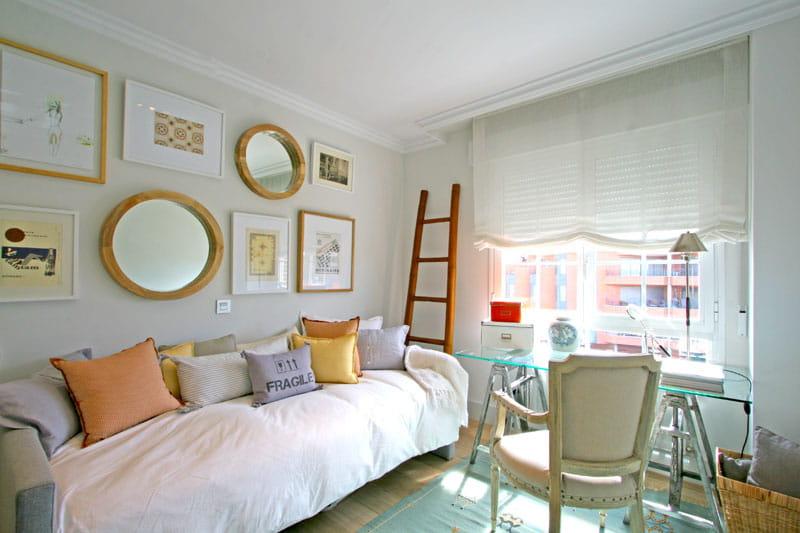 fantaisie boudoir un appart 39 madrid cosy et f minin journal des femmes. Black Bedroom Furniture Sets. Home Design Ideas