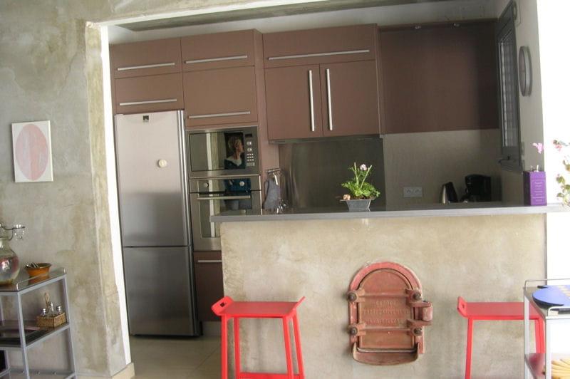 Visitez la maison de Sylvie La cuisine ouverte