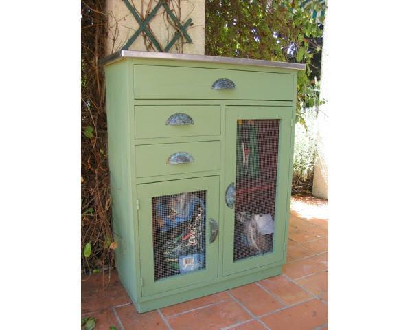 Un meuble coquet pour le jardin des meubles vintage for Meuble de cuisine retro