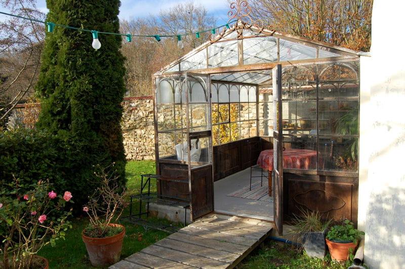 Rouille et meuli re de l 39 autre c t du miroir journal for Serre de jardin fer forge