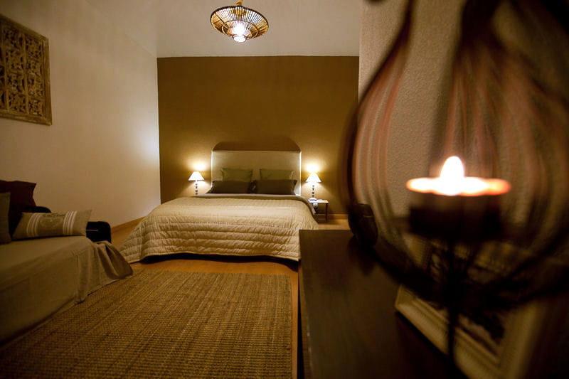 La chambre fleur de coton d co de charme au mas d 39 emma for Deco chambre de charme