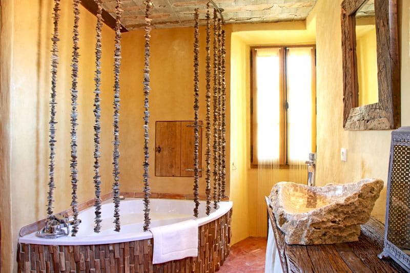 Mati res nature une demeure singuli re qui ne manque pas for Salle de bain bois flotte