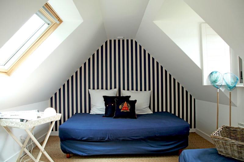 rayures marines d co moderne et pierres bretonnes en. Black Bedroom Furniture Sets. Home Design Ideas