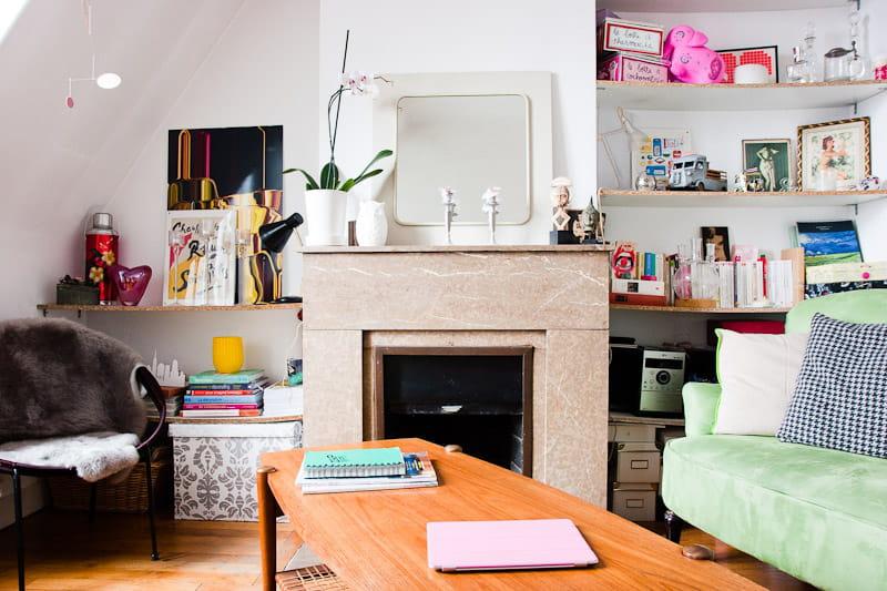 un coin chemin e un petit appart 39 rempli d 39 objets vintage journal des femmes. Black Bedroom Furniture Sets. Home Design Ideas