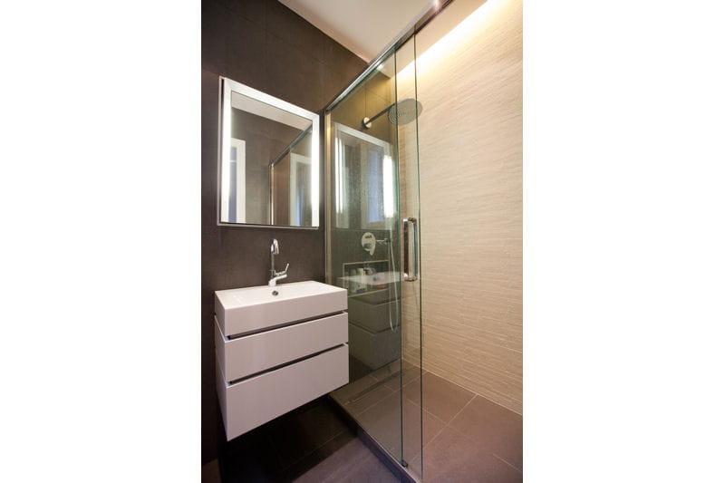 graphique douche l 39 italienne une pluie de bonnes id es journal des femmes. Black Bedroom Furniture Sets. Home Design Ideas
