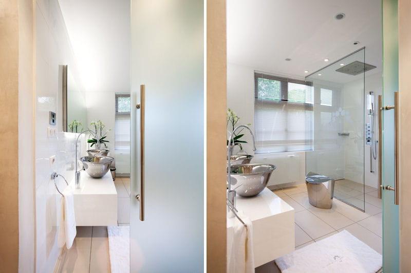 Acier et verre dans la salle de bains d co authentique et raffin e du c t de chez anne for Comfemme nue dans la salle de bain