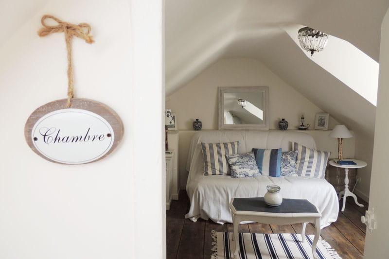au bord de la mer visitez la maison de christine trouville journal des femmes. Black Bedroom Furniture Sets. Home Design Ideas