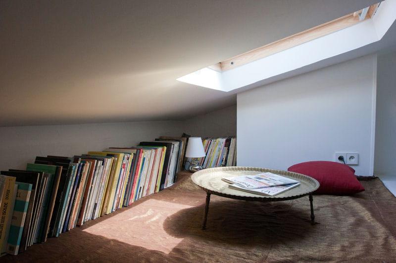 un coin d tente pr s du ciel combles et greniers des espaces malins et bien pens s journal. Black Bedroom Furniture Sets. Home Design Ideas