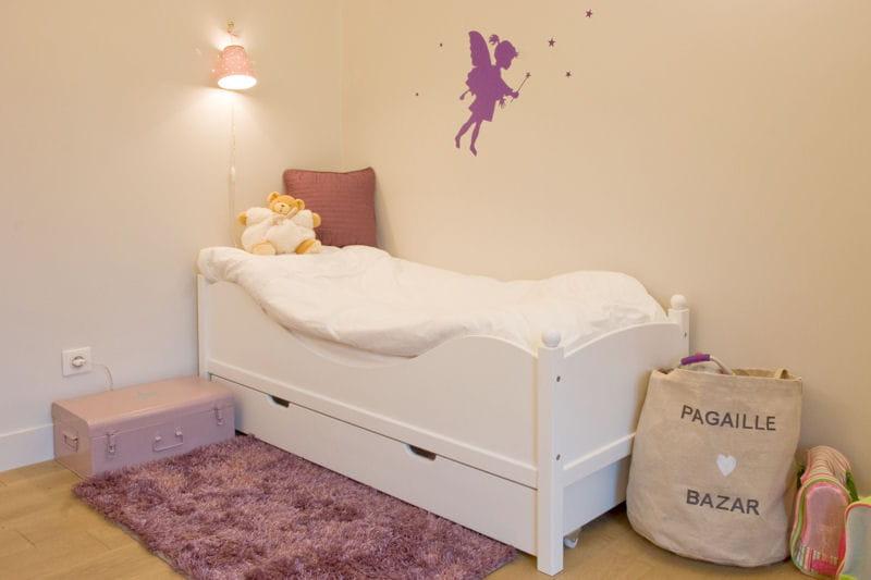 Petite f e violette des chambres d 39 enfant croquer journal des femmes for Petite chambre d enfant
