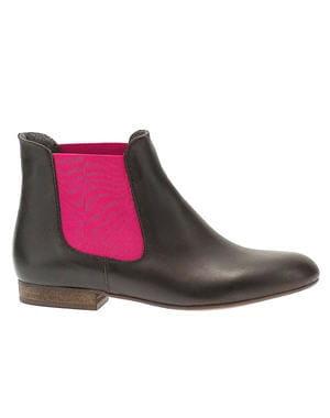 boots noires et roses de bensimon pour eram les chaussures automne hiver 2012 2013 se mettent. Black Bedroom Furniture Sets. Home Design Ideas
