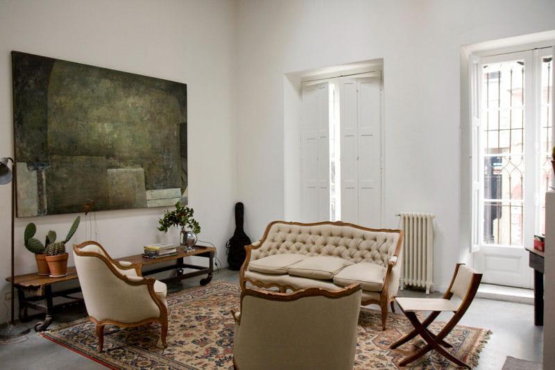 un salon lumineux et chaleureux. Black Bedroom Furniture Sets. Home Design Ideas
