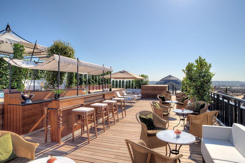 Une terrasse jacuzzi bar le grand h tel de bordeaux for Spa luxe bordeaux