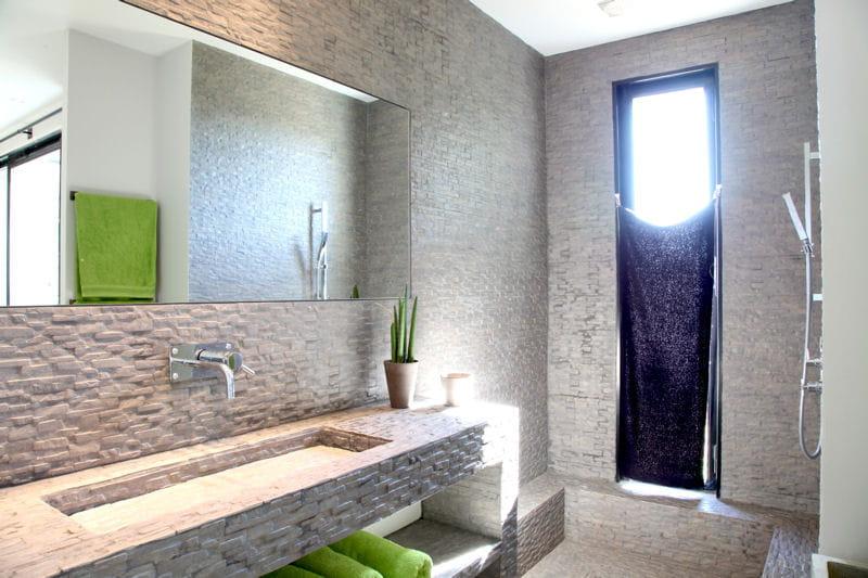 Carrelage int gral salle de bains 80 id es top - Idee salle de bain carrelage ...