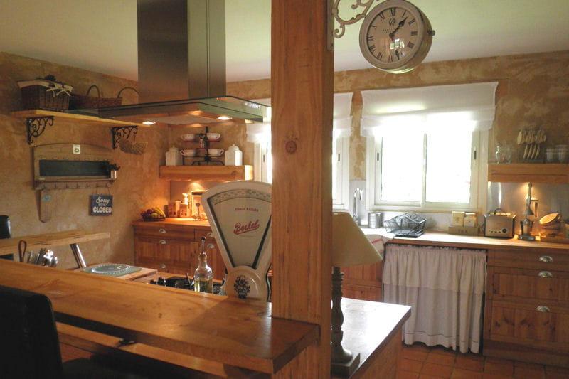 Living kitchen visitez la maison de greta journal des for Deco cuisine americaine