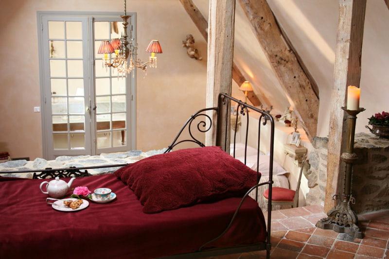 l 39 amour sur le lit des combles baroques et romantiques dans un vieux manoir breton journal. Black Bedroom Furniture Sets. Home Design Ideas