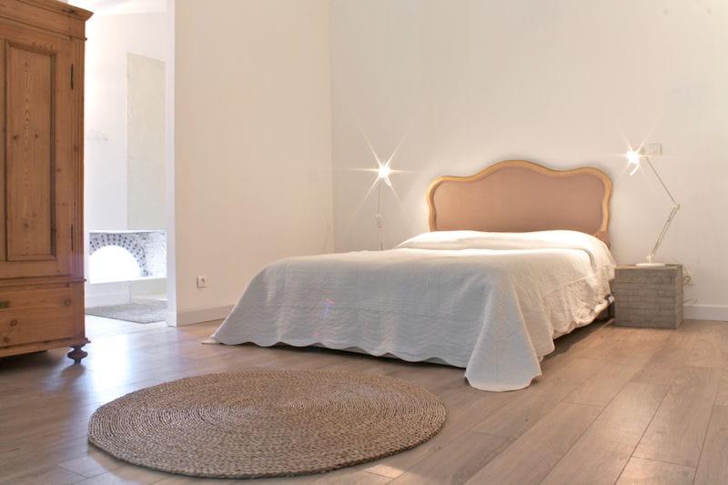 Romantisme et zen attitude deux maisons d 39 h tes deux styles d co imi - Deco chambre parentale zen ...