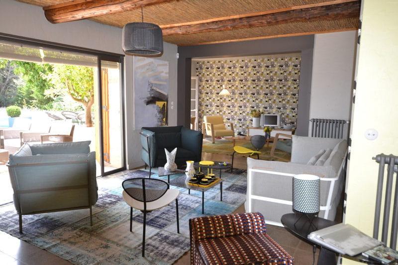 Une enfilade de salons le mas de mon p re une maison proven ale la d co - Deco maison provencale ...