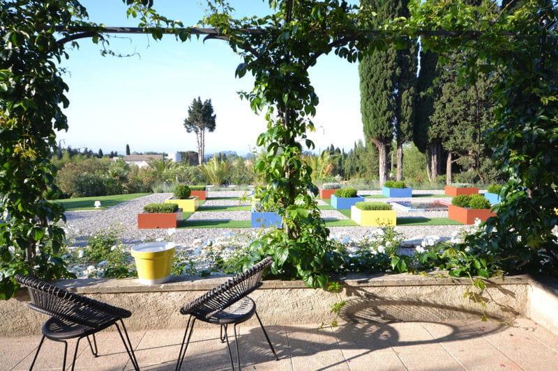 Terrasse et jardin graphique le mas de mon p re une for Le jardin graphique