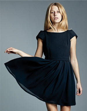 Robe noire a manche courte