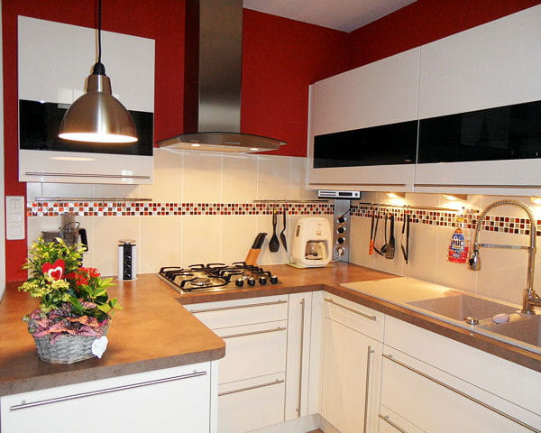 f minine les plus belles cuisines de lectrices journal. Black Bedroom Furniture Sets. Home Design Ideas