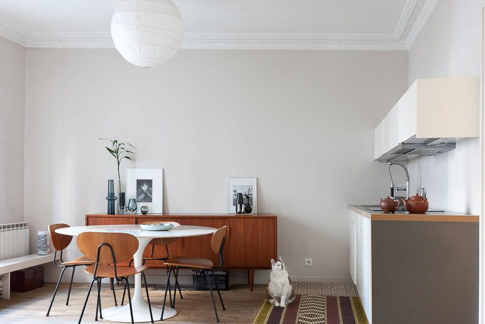 une pi ce qui allie fonctionnalit et esprit d co un int rieur au top de la d co vintage. Black Bedroom Furniture Sets. Home Design Ideas